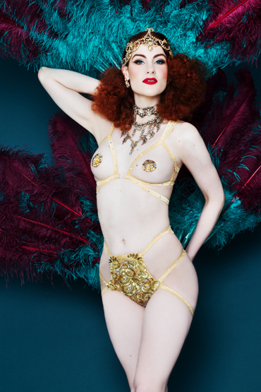 LA RUBINIA ➨ Burlesque-Showgirl aus Berlin ✓ New-Burlesque-Shows für Berlin und Brandenburg ✓