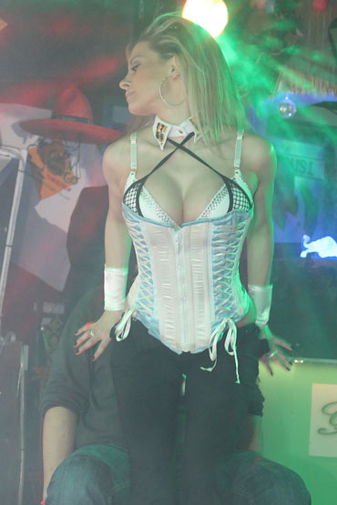 STACY ➨ Profi Stripperin aus Berlin ✓ blonde Haare ✓ tolle Figur ✓ HOT and SEXY ✓