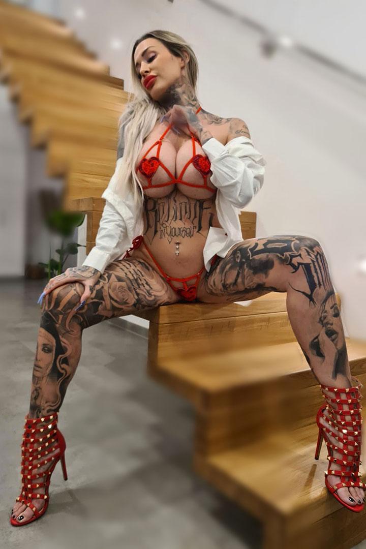 Amanda hard